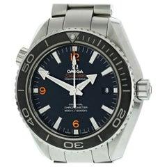 Omega Seamaster 232.30.46.21.01.003 mit Armband und Schwarzem Zifferblatt