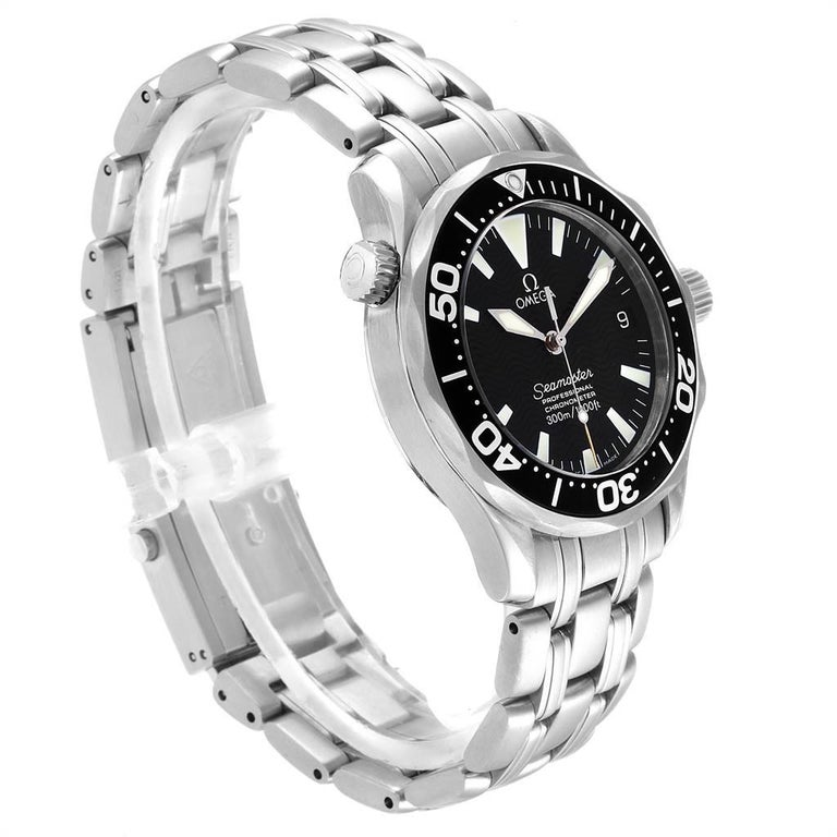 Omega Seamaster Midsize Black Wave Dial Steel Watch 2252.50.00 In Excellent Condition For Sale In Atlanta, GA