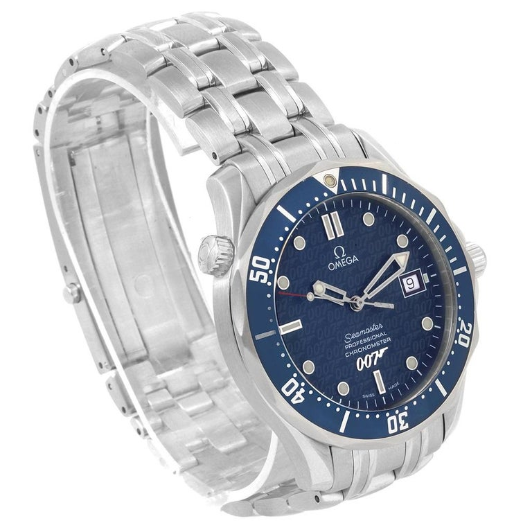 Omega Seamaster 40 Years James Bond Blue Dial Watch 2537.80.00. Officially certified chronometer automatic self-winding movement. Brushed and polished stainless steel case 41.00 mm in diameter. Omega logo on a crown. Screw down back with