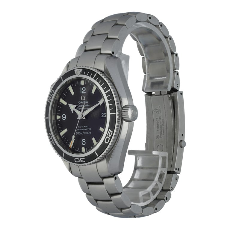 Omega Seamaster Planet Ocean 2201.50 Men's Watch.  42mm Stainless Steel case.  Stainless Steel Unidirectional rotating bezel.  Black dial with Luminous Steel hands and index hour markers.  Minute markers on the outer dial.  Date display at the 3