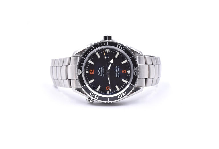 Omega Seamaster Planet Ocean Co-Axial Stainless-Steel Watch Ref. 22005100 In Excellent Condition For Sale In Scottsdale, AZ