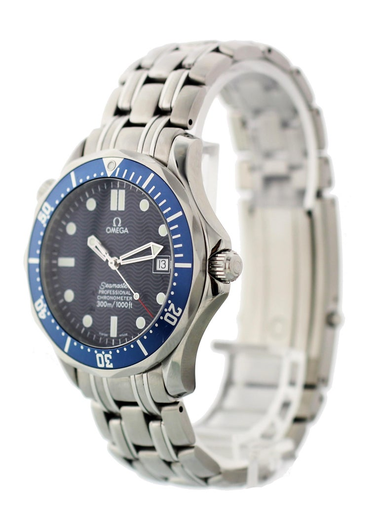 Omega Seamaster Professional Chronometer 2531.80 Mens Watch. 41mm stainless steel case. Unidirectional steel bezel with a blue 60 minute insert  Blue dial with luminous hands and indexes. Date display at the 3 O'clock position. Stainless steel
