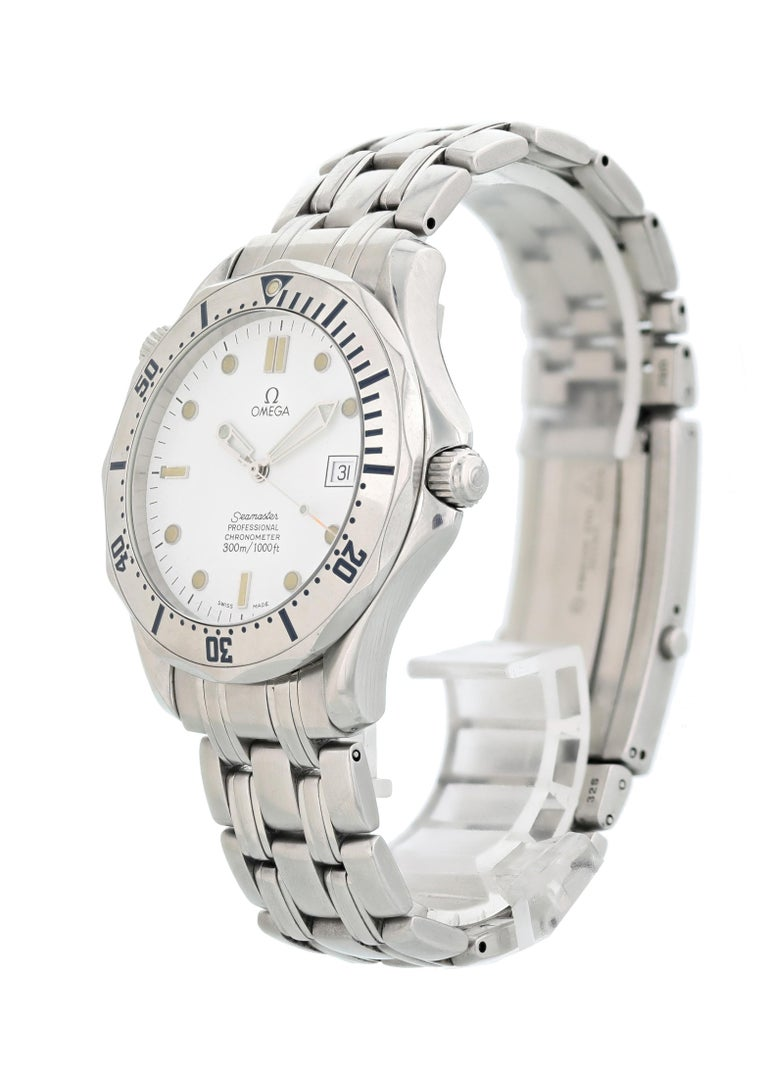 Omega Seamaster Professional 2532.20.00 Mens Watch. Stainless Steel 41mm stainless steel case. Unidirectional rotating bezel with engraved markers. White dial with steel hands and dot hour markers. Date display at the 3 o'clock position. Stainless
