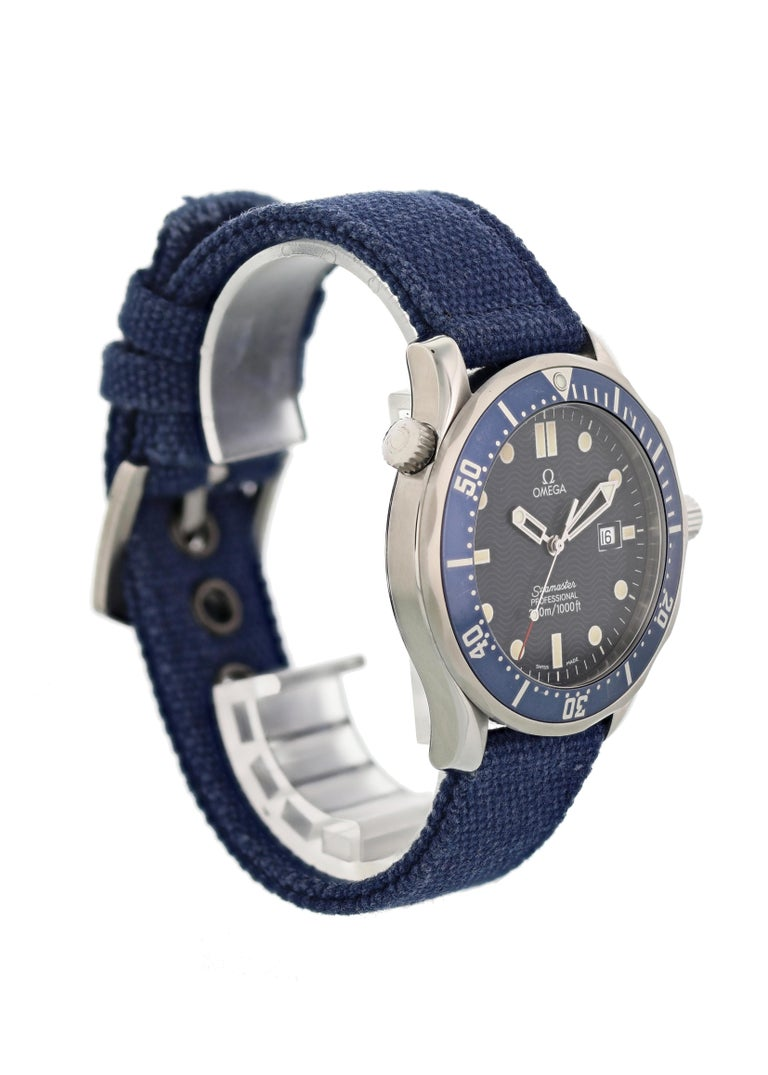 Omega Seamaster Professional 2541.80.00 Quartz Men's Watch In Good Condition For Sale In New York, NY