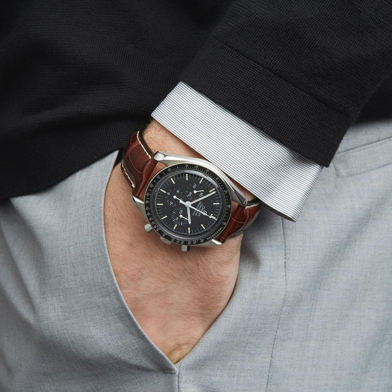 Omega Speedmaster Stainless Steel 145.022 Gents Wristwatch For Sale 3