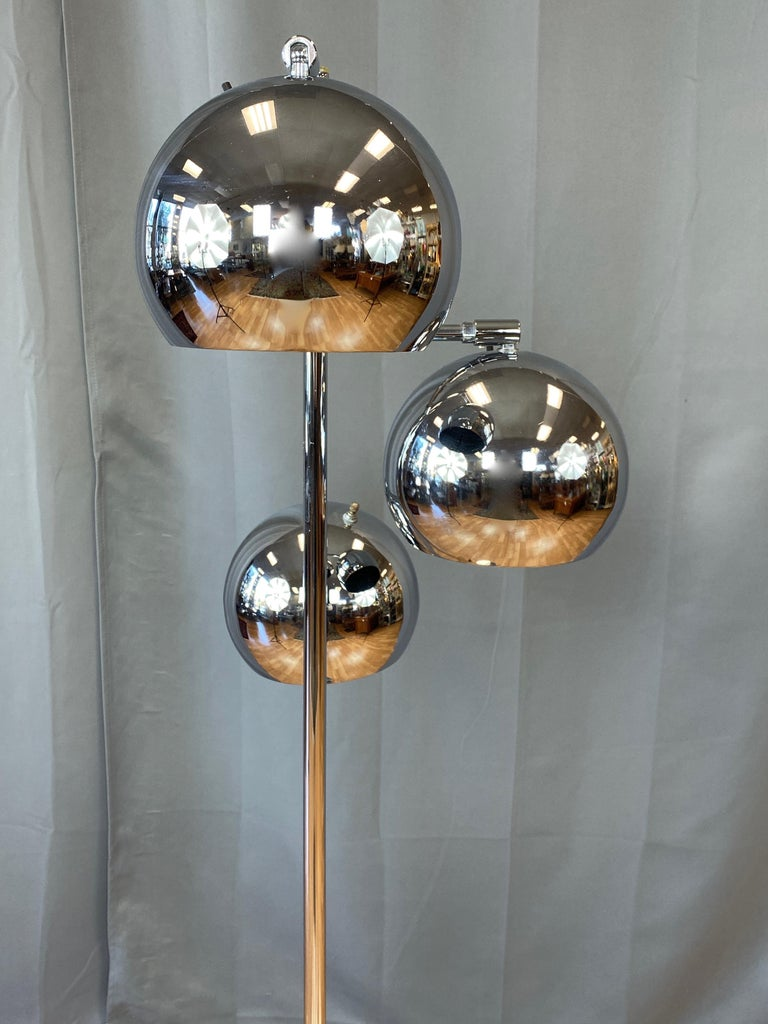 Mid-Century Modern OMI for Koch & Lowy Chrome Orb Three-Light Floor Lamp, Late 1960s For Sale