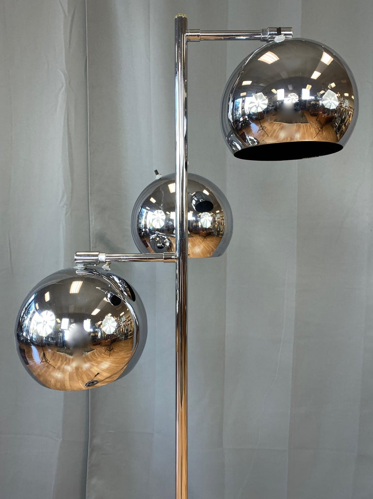 American OMI for Koch & Lowy Chrome Orb Three-Light Floor Lamp, Late 1960s For Sale