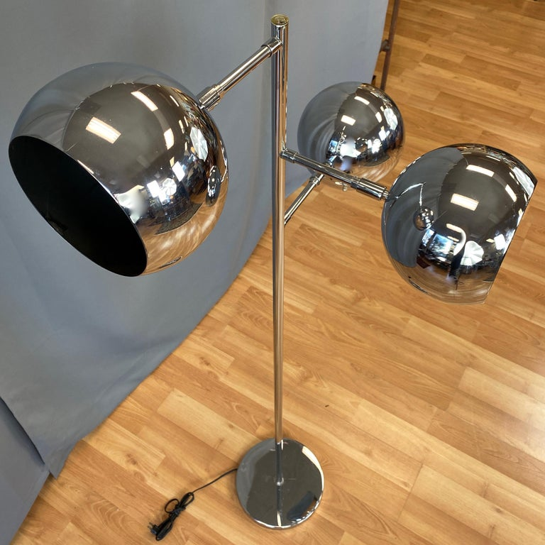 OMI for Koch & Lowy Chrome Orb Three-Light Floor Lamp, Late 1960s In Good Condition For Sale In San Francisco, CA