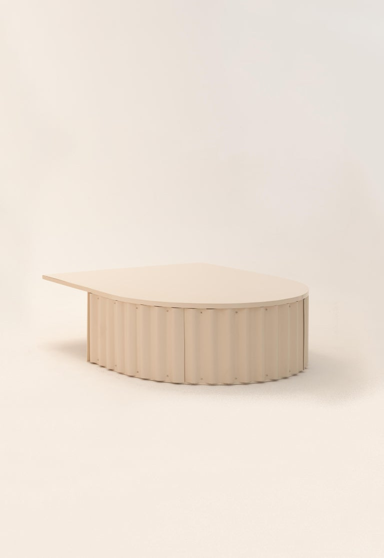 Ondula coffee table by Flatwig Studio   Dimensions: L 100 x D 119.8 x H 35 cm Materials: Iron structure, corrugated aluminium sheet Colour: nude Other colours (RAL Classic and RAL Design) are available on request. Please get in touch about the