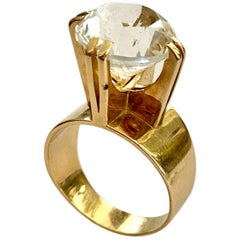 One '1' 18 Karat Yellow Gold Ring Set with One Rock Crystal, Germany, 1970