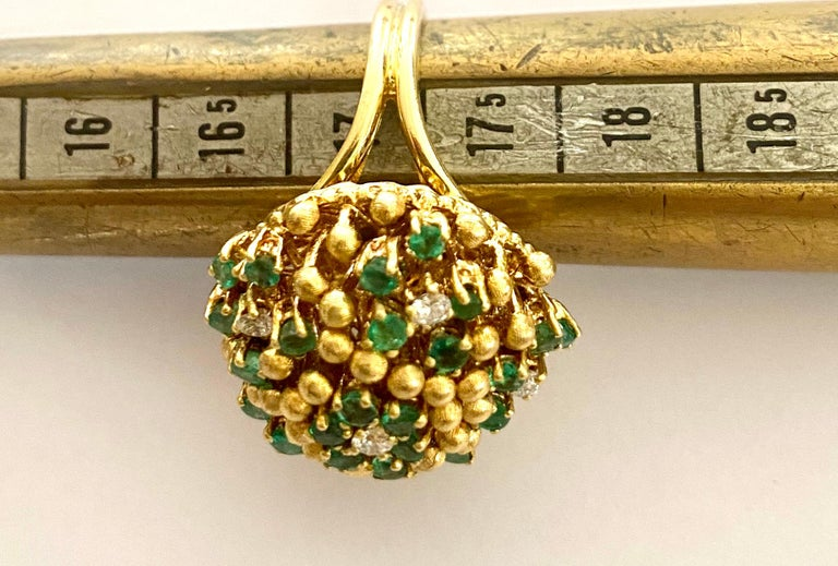 One '1' 18 Karat Gold Cocktail Ring Set with Diamonds and Emeralds, Italy, 1960 For Sale 1