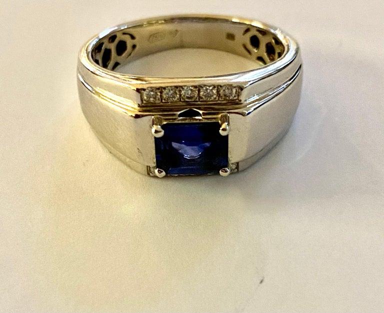 Modern One 18 Karat White Gold Sapphire/Diamond Ring For Sale