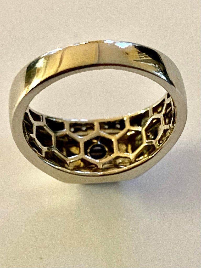 One 18 Karat White Gold Sapphire/Diamond Ring In Good Condition For Sale In Heerlen, NL