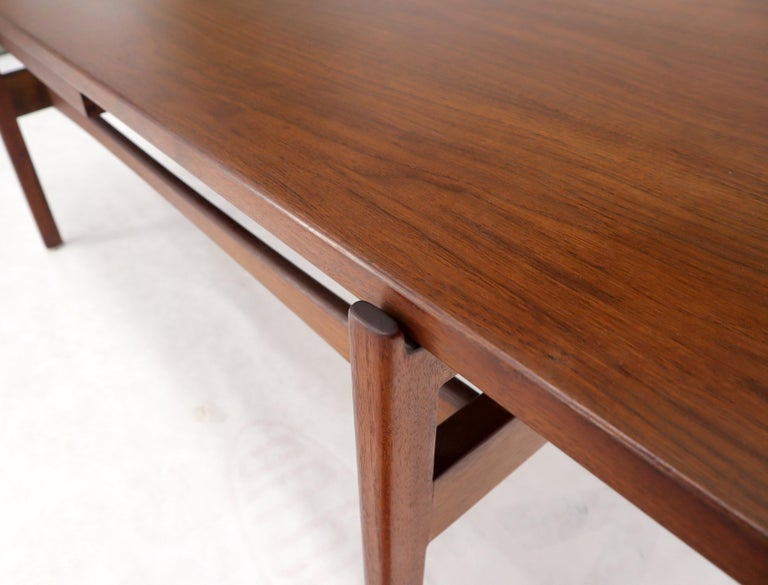 One Drawer Rectangle Shape Teak Danish Mid-Century Modern Coffee Table For Sale 6