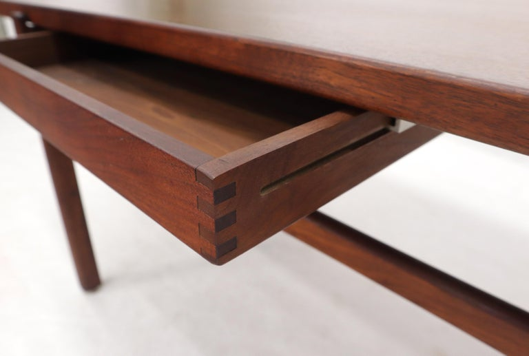One Drawer Rectangle Shape Teak Danish Mid-Century Modern Coffee Table For Sale 8