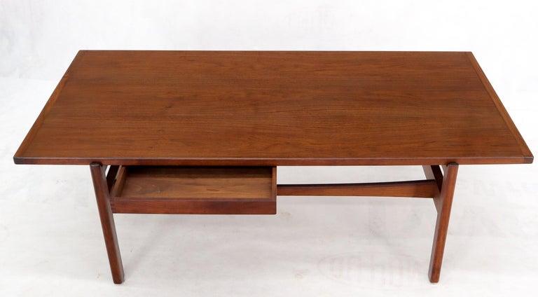 One Drawer Rectangle Shape Teak Danish Mid-Century Modern Coffee Table For Sale 3