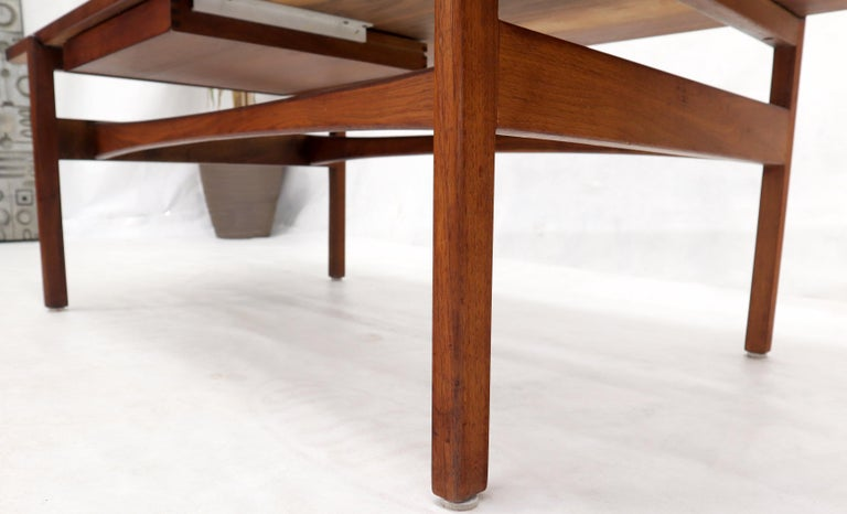 One Drawer Rectangle Shape Teak Danish Mid-Century Modern Coffee Table For Sale 5