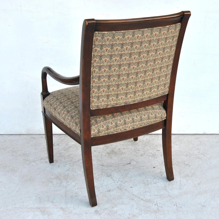 One Hickory Furniture Traditional Arm Dining Side Chair In Good Condition For Sale In Pasadena, TX