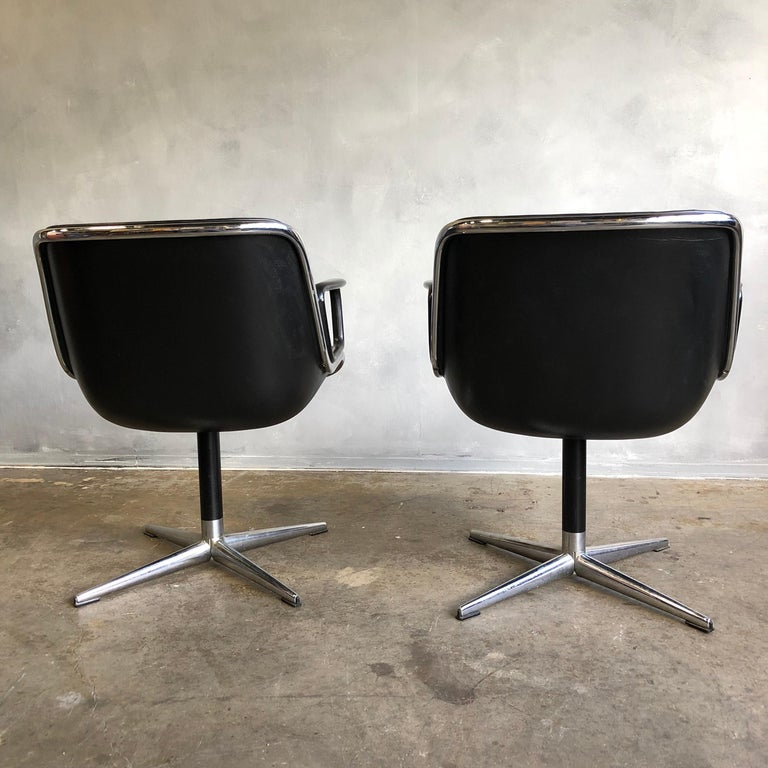 One Midcentury First Generation Pollock Chair for Knoll In Good Condition For Sale In BROOKLYN, NY