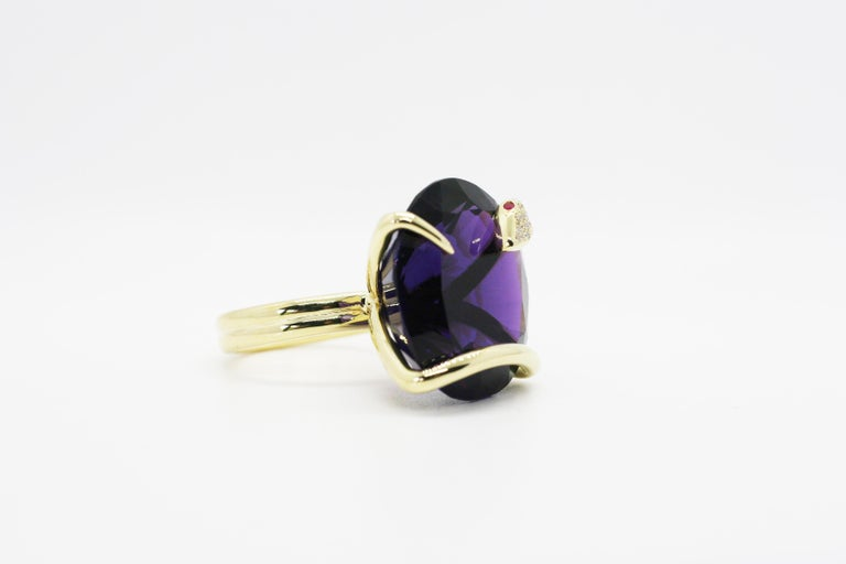 One of A Kind 18 Karat Natural Amethyst Diamond Climbing Snake Ring  In New Condition For Sale In West Hollywood, CA