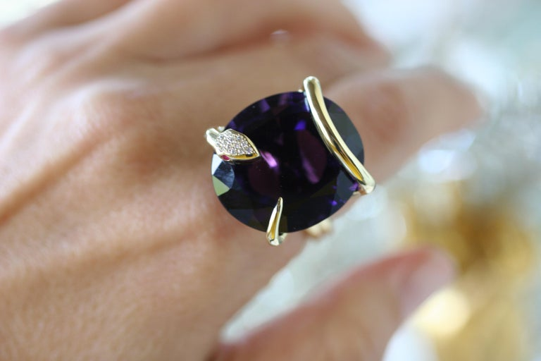 One of A Kind 18 Karat Natural Amethyst Diamond Climbing Snake Ring  For Sale 2