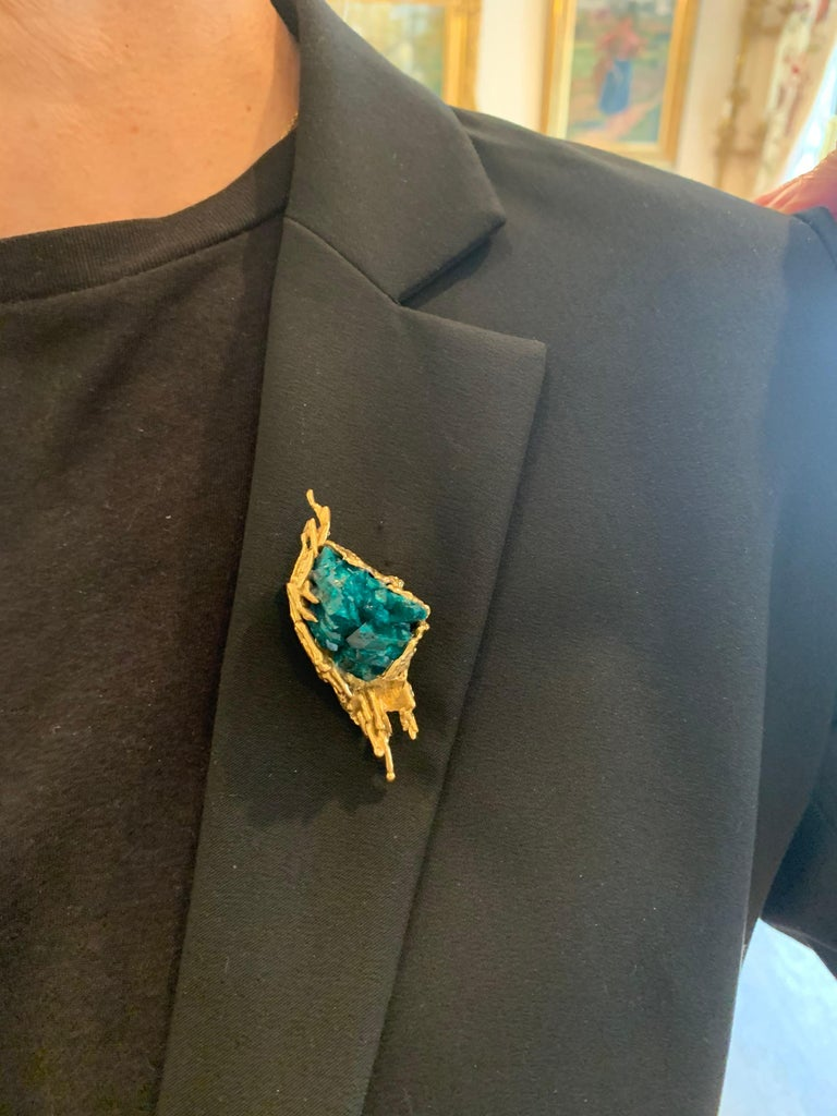 One of a Kind Dioptase Yellow Gold Granite 18 Carats Brooch Signed Roland Schad In Good Condition For Sale In Paris, FR