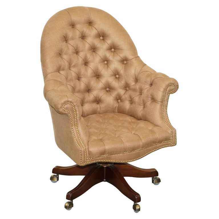 One of a Kind Fully Restored Mahogany Chesterfield Captains Directors Armchair For Sale