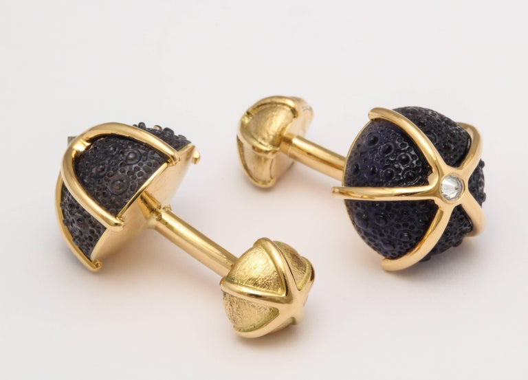 One of a Kind Iolite and Diamond Sea Urchin Cufflinks by Michael Kanners In New Condition For Sale In Bal Harbour, FL