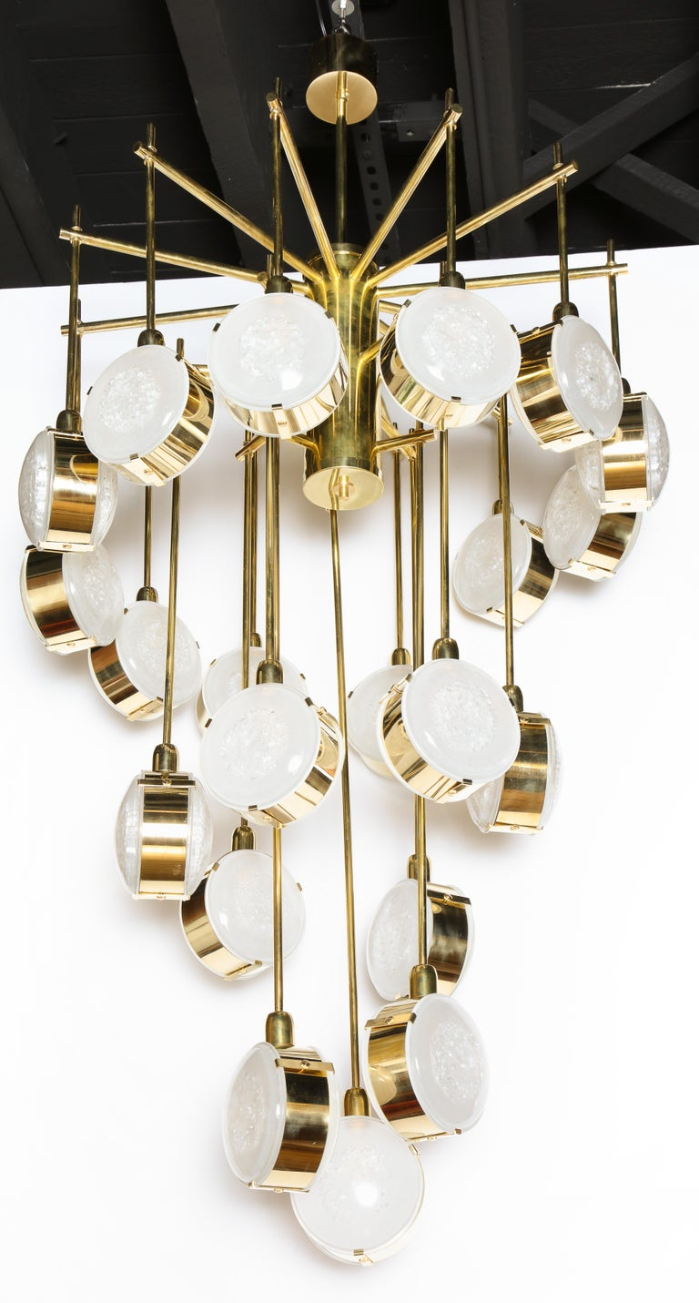Large Brass and Clear Murano Glass Disc Spiral Cascading Chandelier, Italy For Sale 4