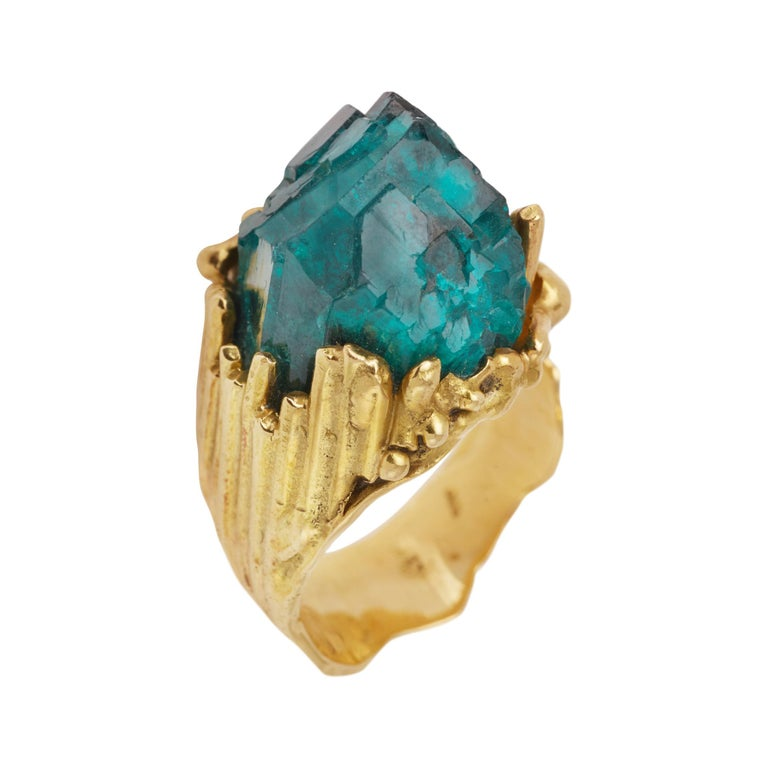 One of a Kind Roland Schad Rough Dioptase 18 Carat Yellow Gold Granite Ring For Sale
