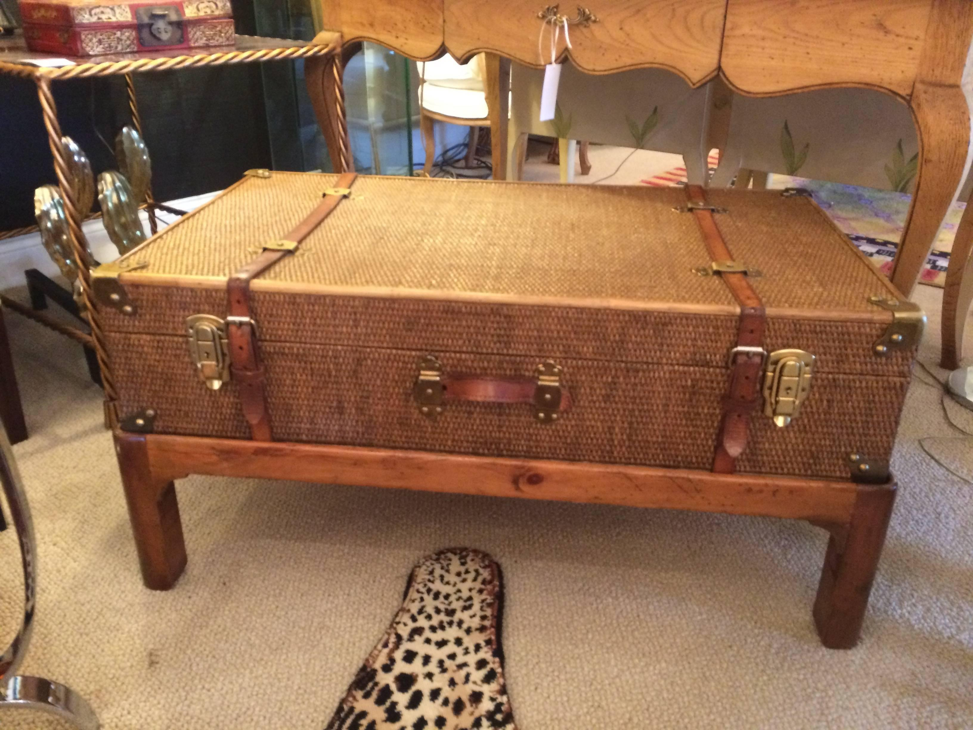Incroyable One Of A Kind Vintage Rattan Suitcase Coffee Table On Custom Wooden Base