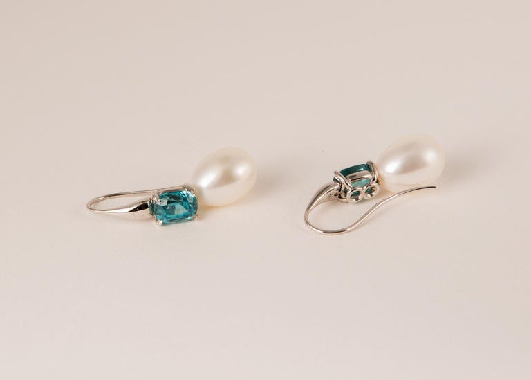 One of a Kind White Gold Zircon and Pearl Earrings In New Condition For Sale In Atlanta, GA