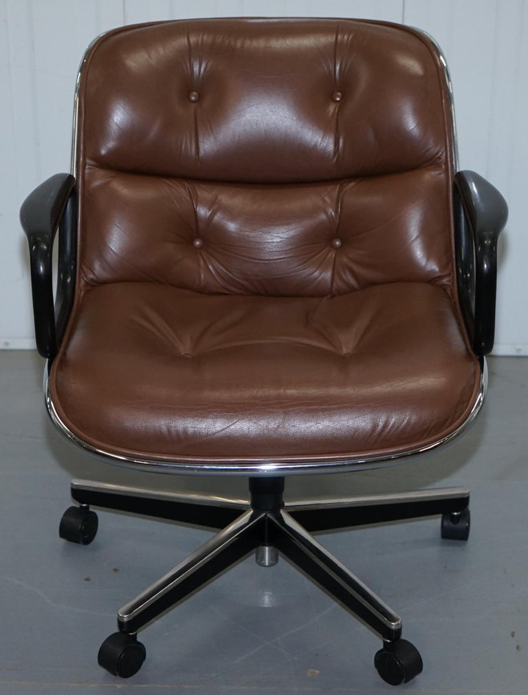 One of Eight Original Knoll Pollock Vintage Brown Leather Executive Armchairs For Sale 10