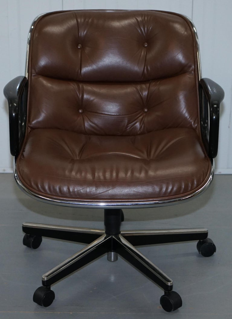 One of Eight Original Knoll Pollock Vintage Brown Leather Executive Armchairs For Sale 11