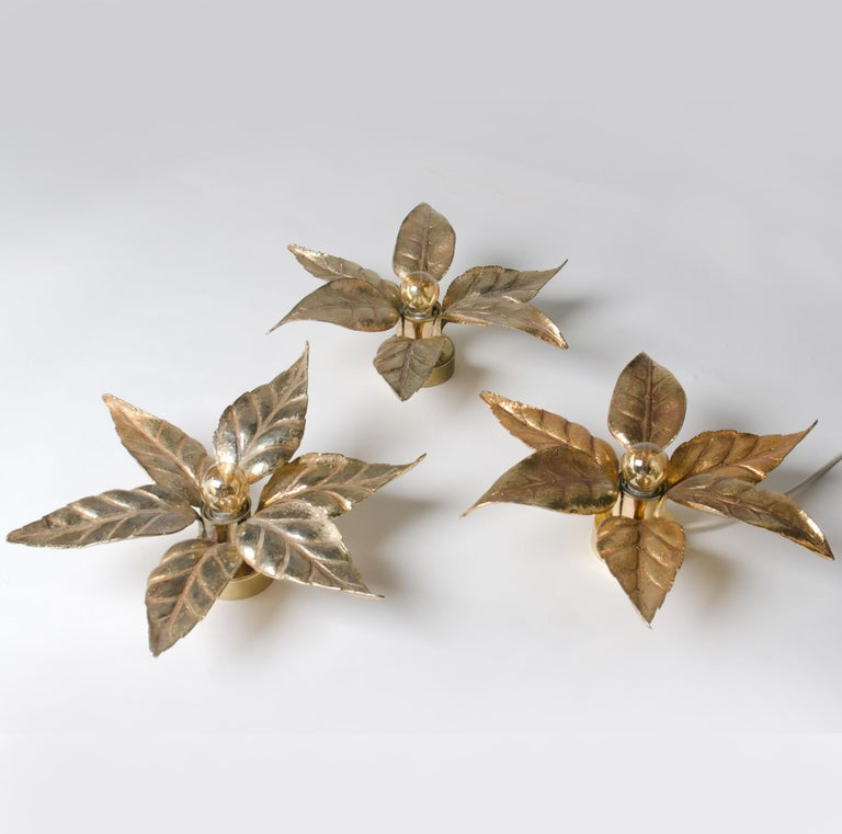 One of Five of Willy Daro Style Brass Flowers Wall Lights For Sale 4