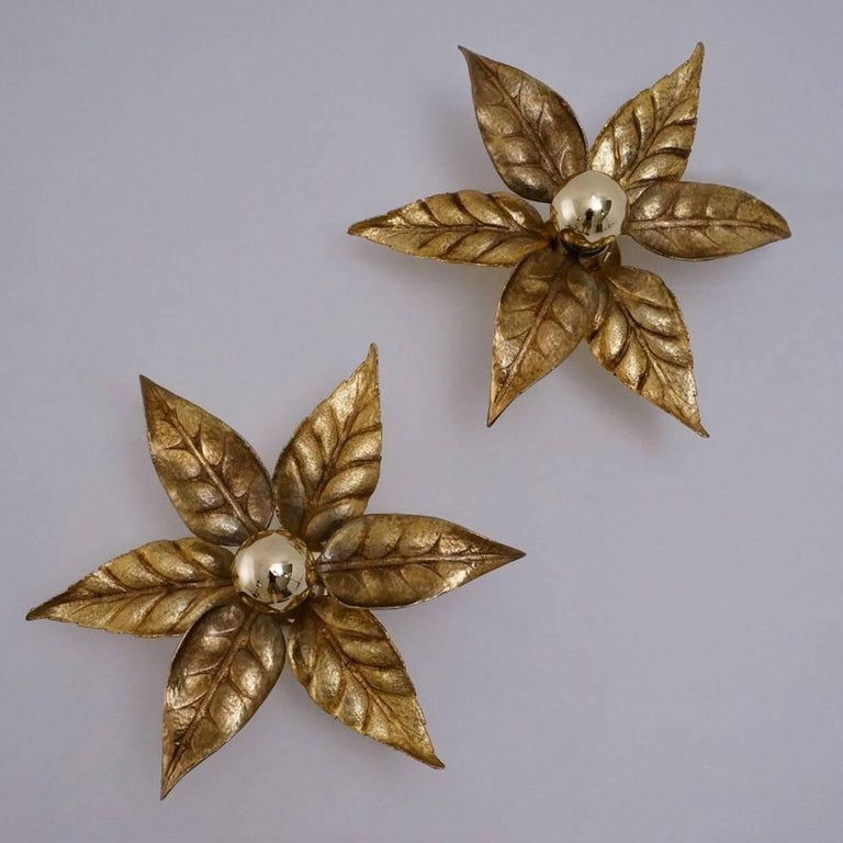 One of Five of Willy Daro Style Brass Flowers Wall Lights For Sale 6