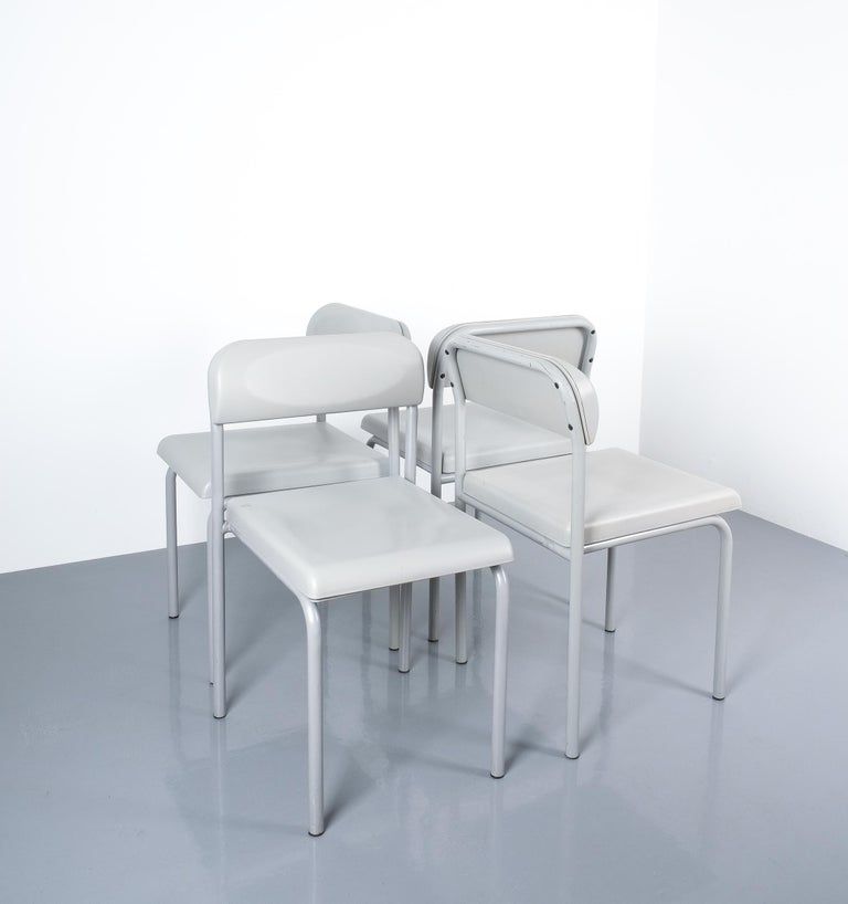 One of Seven Ettore Sottsass Greek Chairs Grey Bieffeplast, Italy, 1980 For Sale 2