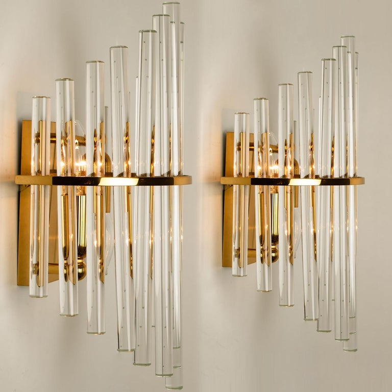 One of the Six Modern Glass Rod Wall Sconces of Sciolari for Lightolier For Sale 3