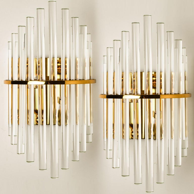 20th Century One of the Six Modern Glass Rod Wall Sconces of Sciolari for Lightolier For Sale