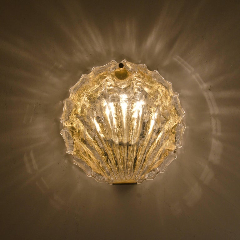 Mid-Century Modern One of the Two Golden Ice Glass Shell Wall Sconces from Kalmar, 1960s For Sale