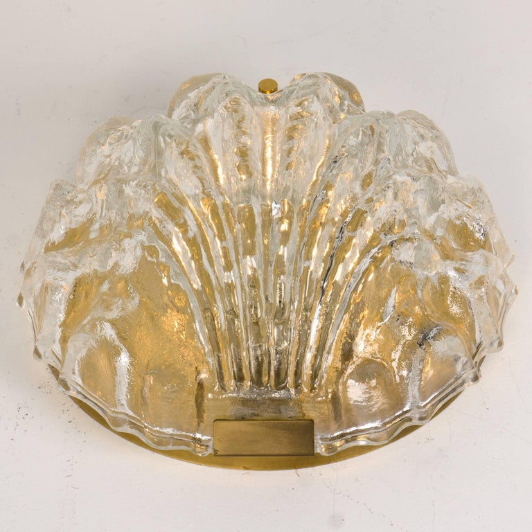 Brass One of the Two Golden Ice Glass Shell Wall Sconces from Kalmar, 1960s For Sale