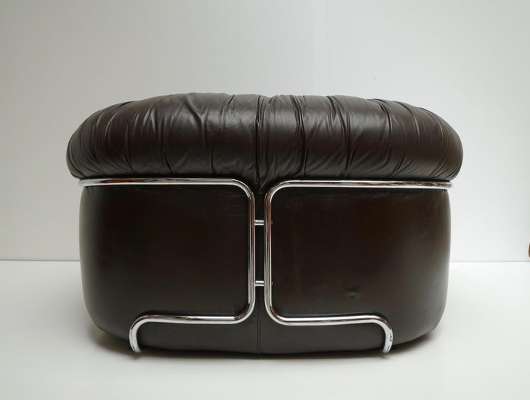 Metal One of Two Leather Lounge Chairs in the Style of Gianfranco Frattini for Cassina For Sale
