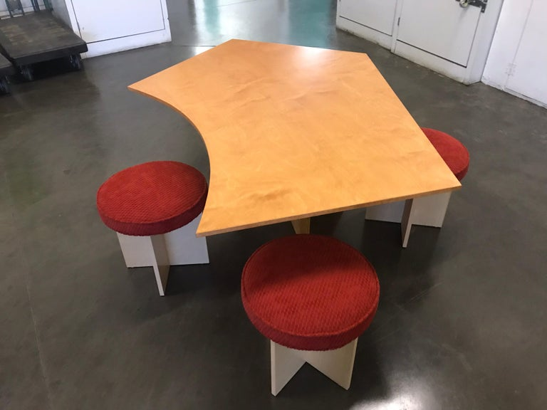 Asymmetrical Top Table with Four Stools by Di Vincente For Sale 2