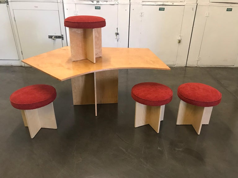 Modern Asymmetrical Top Table with Four Stools by Di Vincente For Sale