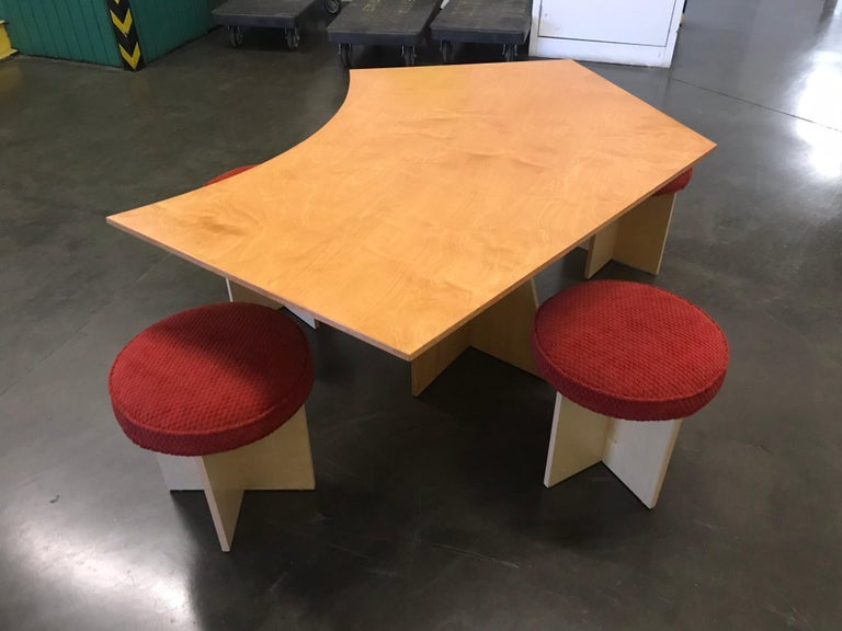 Asymmetrical Top Table with Four Stools by Di Vincente In New Condition For Sale In Los Angeles, CA