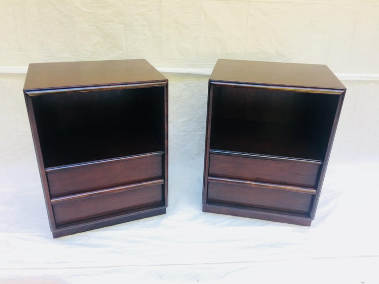 Wood Robsjohn-Gibbings pair of night stands for Widdicomb, 1950s  For Sale