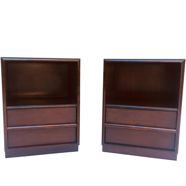 Robsjohn-Gibbings pair of night stands for Widdicomb, 1950s  For Sale