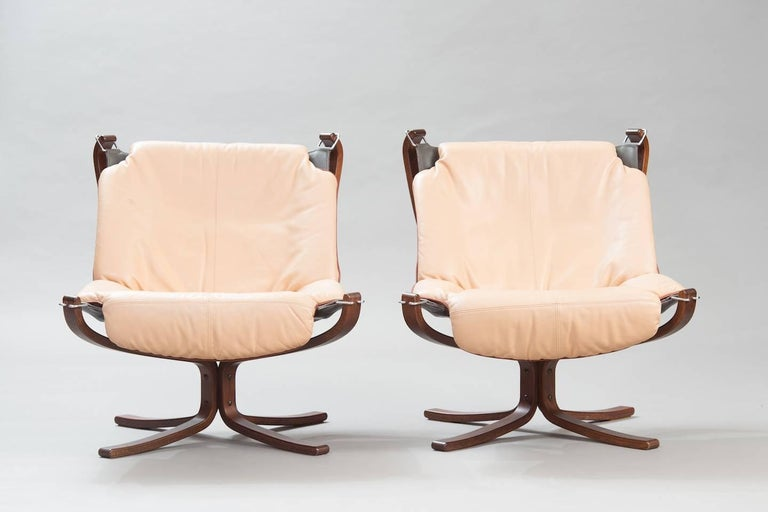 "Scandinavian Modern One Pair of Sigurd Ressel ""Falcon"" Chairs for Vatne Møbler For Sale"