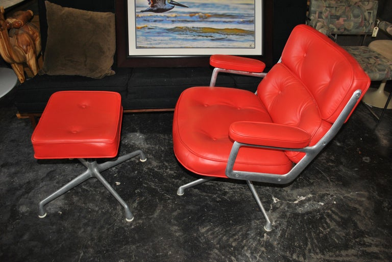 20th Century One Set Herman Miller Time Life Lounge Chair and Ottoman