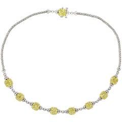 Gelbe Ein-Diamant Halskette an 18 Karat Weißgold
